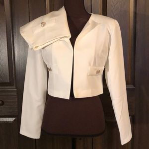 BooHoo White Croped Blazer Skirt Suit Italy 8